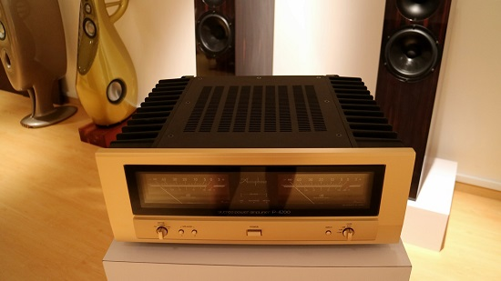 ampli-Accuphase-P-4200b