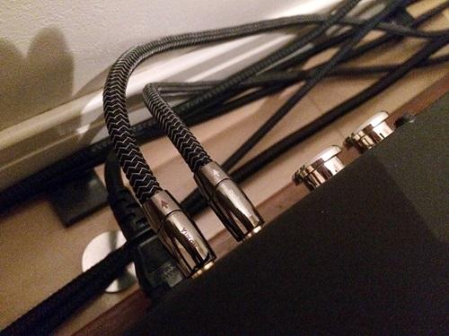 dây-tín-hiệu-AudioQuest-Yukon1