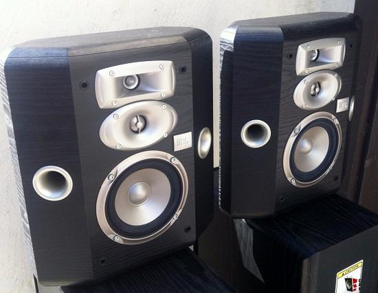 Loa-JBL-L810a